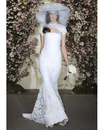 Ízelítő a 2012-es csipke menyasszonyi ruhákból Martha-tól 🙂. Képek  forrása  Modern Lace Wedding Dresses c3c1ade193